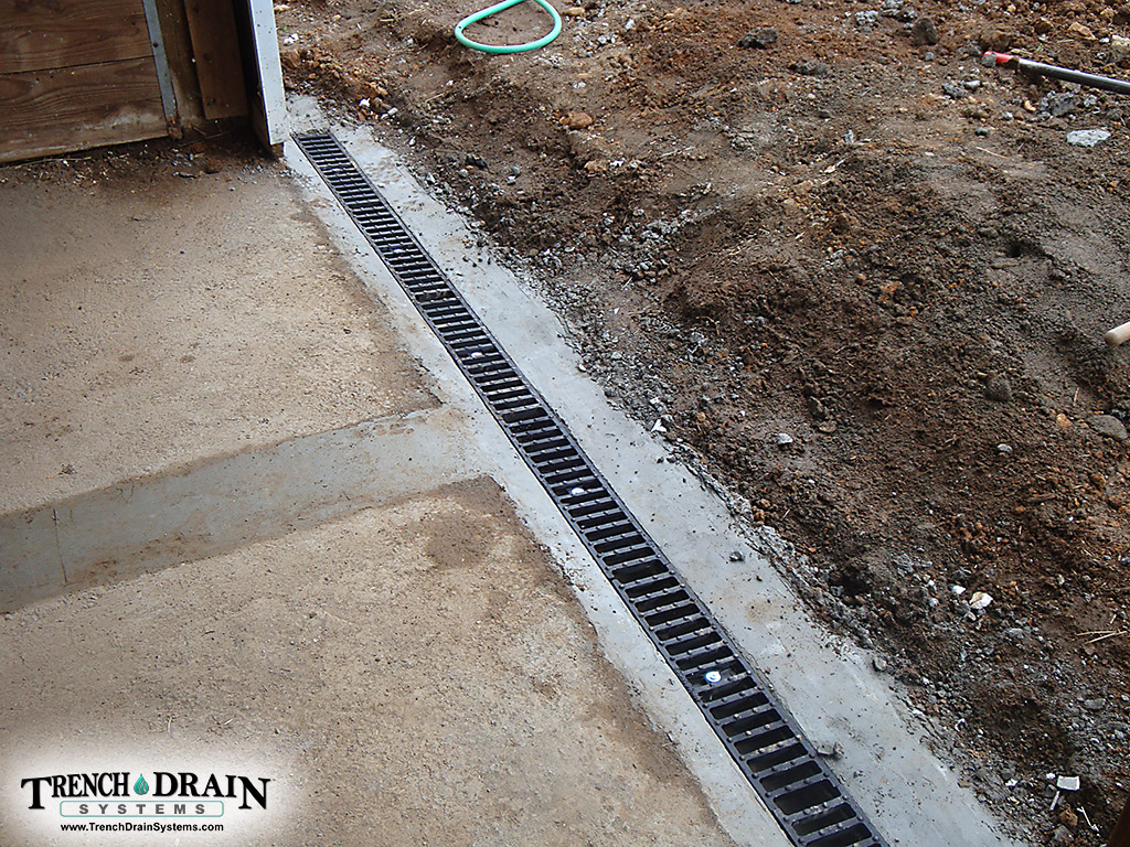 Homemade concrete trench drain homemade ftempo for Driveway trench drain